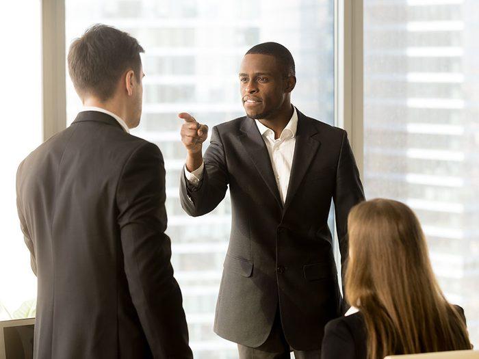 En cas de conflit avec un(e) collègue ne l'accusez pas directement.