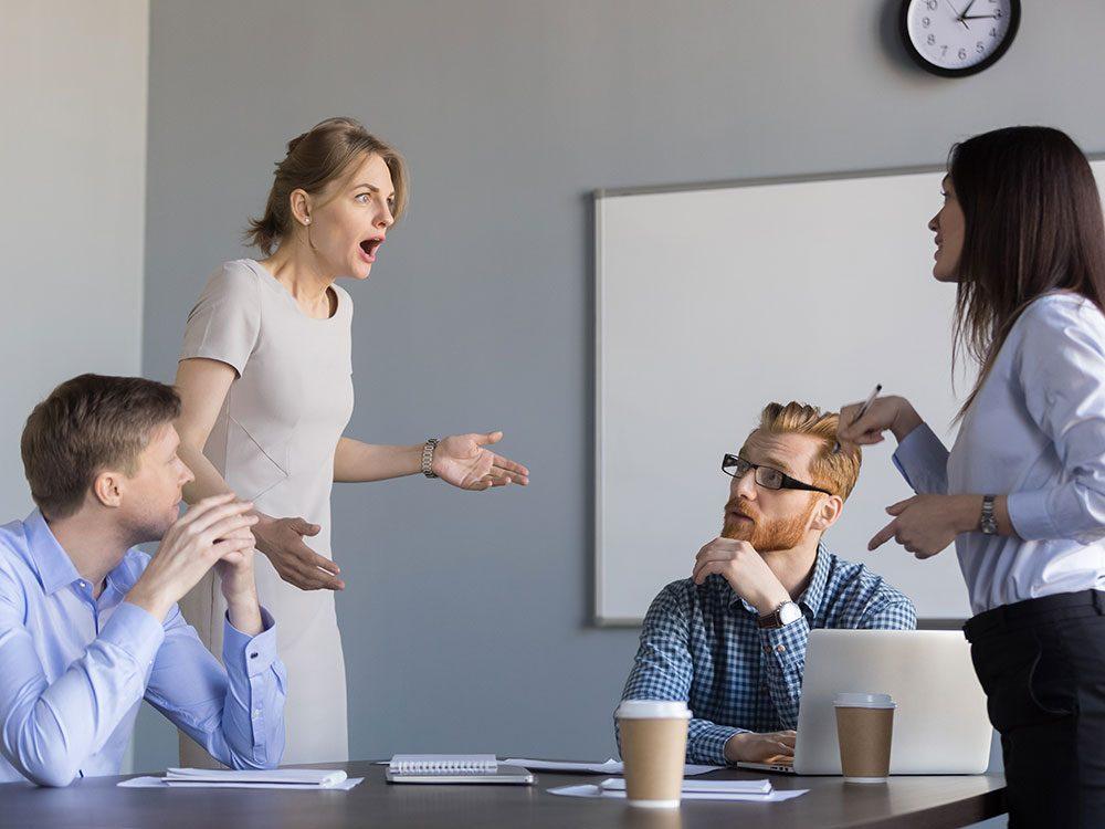 Limitez les risques si vous ne vous entendez pas avec un(e) collègue.
