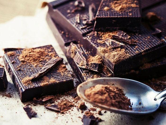 Le chocolat noir fait partie des aliments riches en magnésium