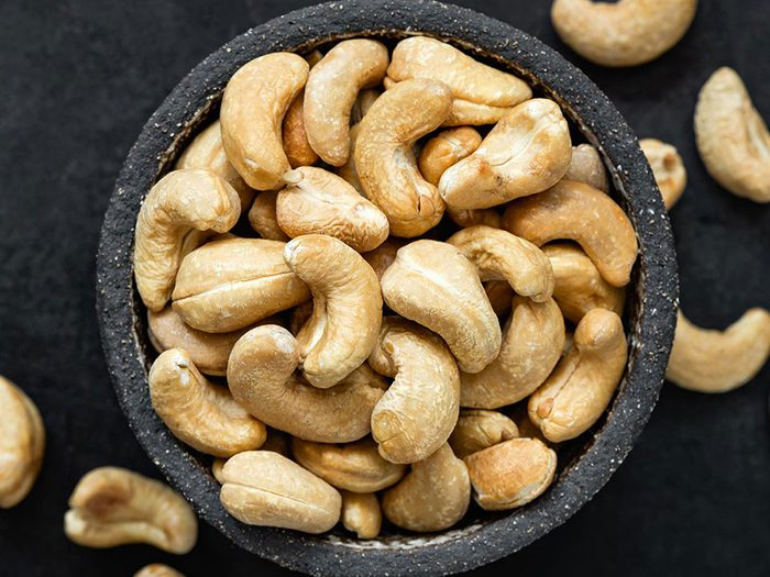 Les noix de cajou font partie des aliments riches en magnésium.