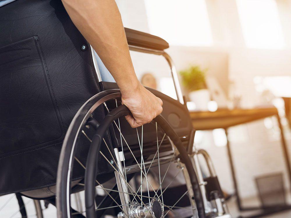 Savez la différence entre invalidité et maladie grave car votre couverture d'assurance ne sera pas la même.