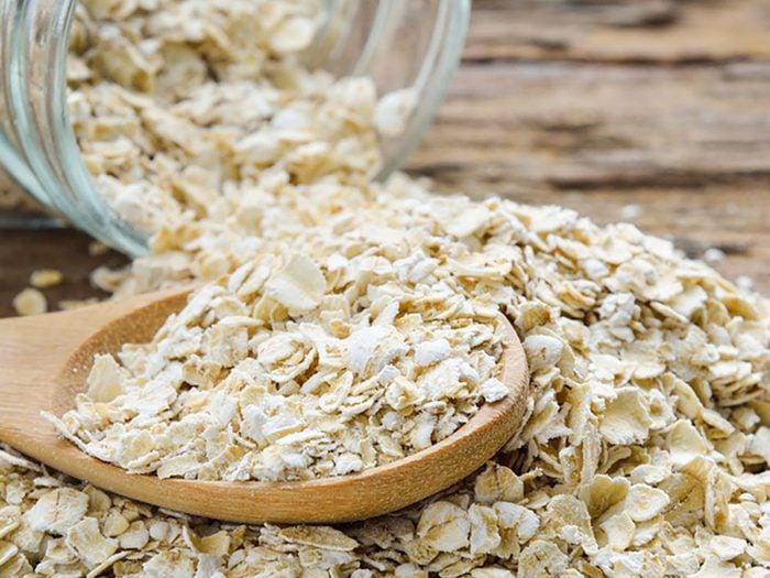 Une demi-tasse de gruau non cuit et nature procure environ 200 mg de calcium.
