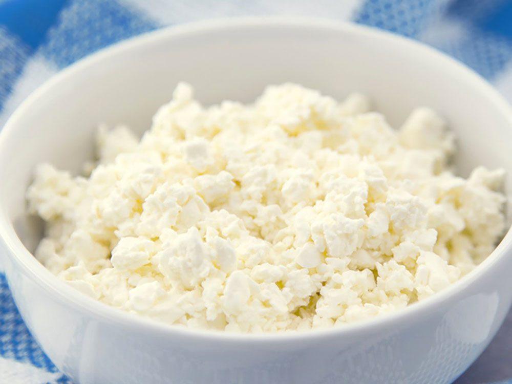 Trois-quarts de tasse de fromage ricotta contient 380 mg de calcium.
