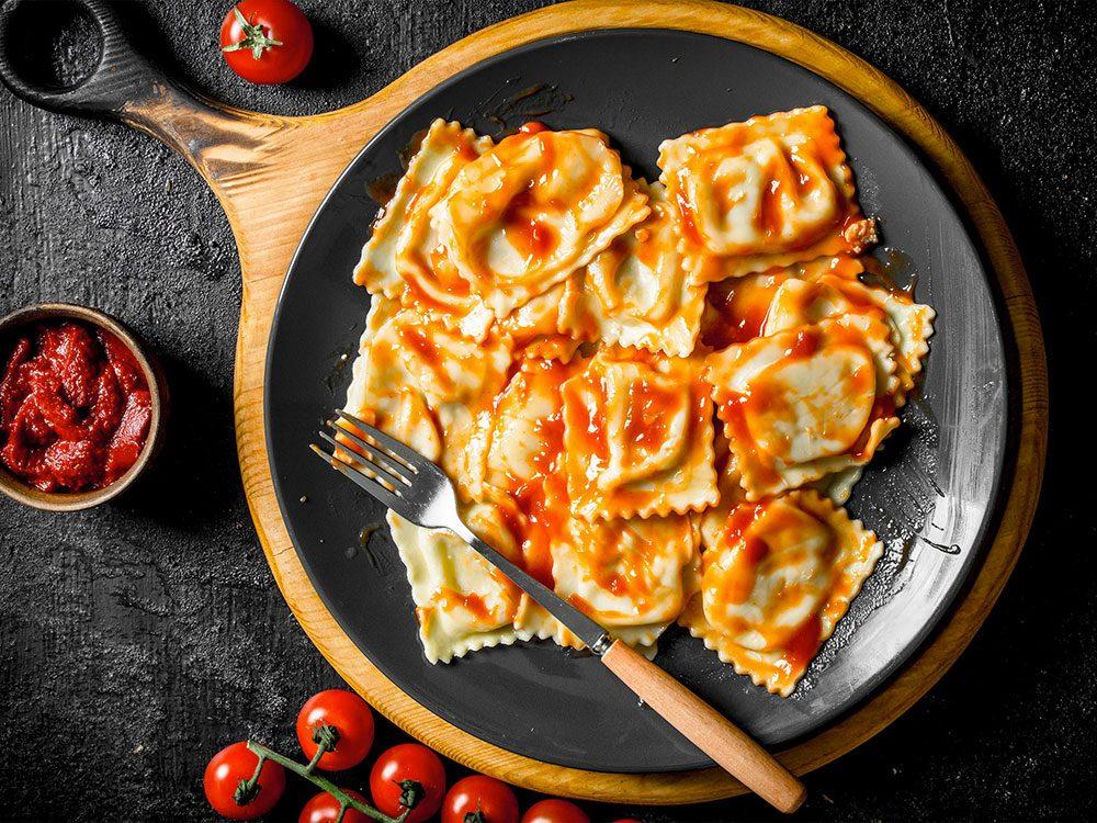 Évite les articles du garde-manger lors de vos achats chez Costco.