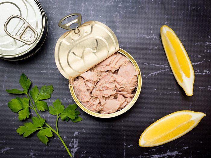 On recommande le thon, poulet et saumon en boîte au Costco.