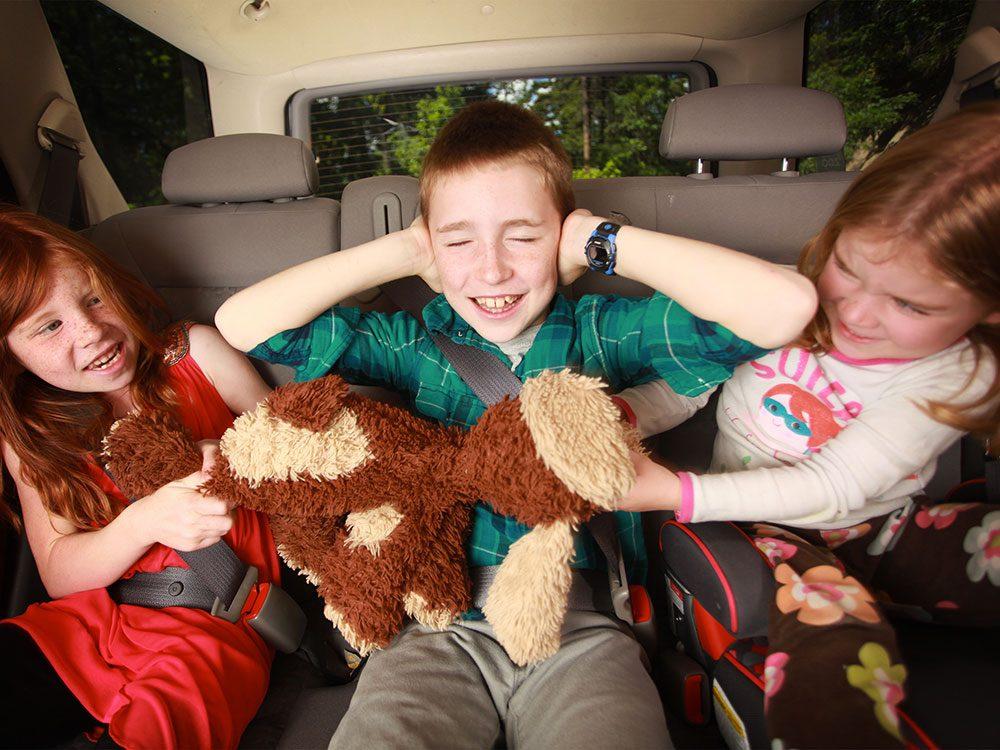 Avec votre soeur, c'était le champ de bataille de l'auto pendant les voyages.
