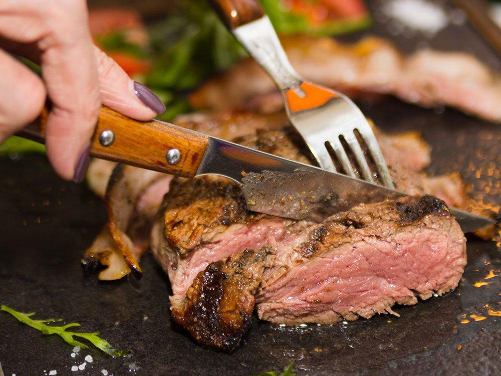 Vous manquez de calcium si vous mangez trop de viande!
