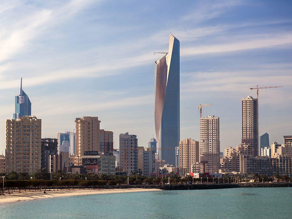 La Al Hamra Tower est l'un des plus hauts gratte-ciels du monde .