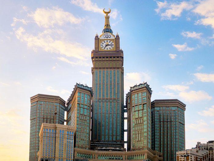La Tour de l'horloge royale de La Mecque est l'un des plus hauts gratte-ciels du monde .
