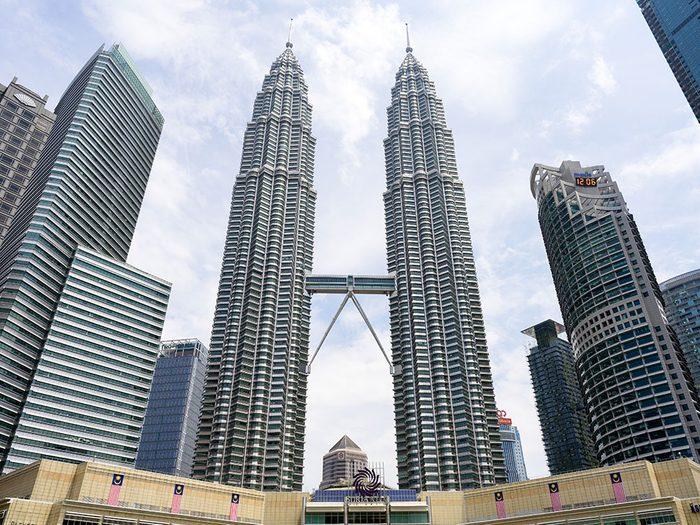Les Tours Petronas 2 figurent parmi es plus hauts gratte-ciels du monde.