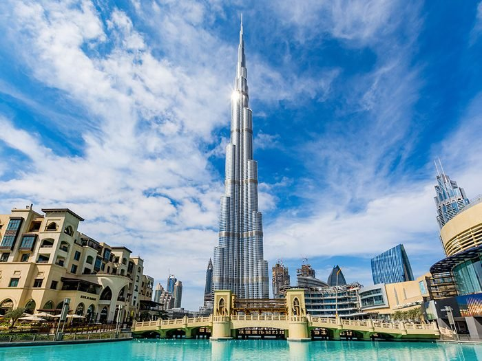 Le Burj Khalifa de Dubaï est l'un des plus hauts gratte-ciels du monde .