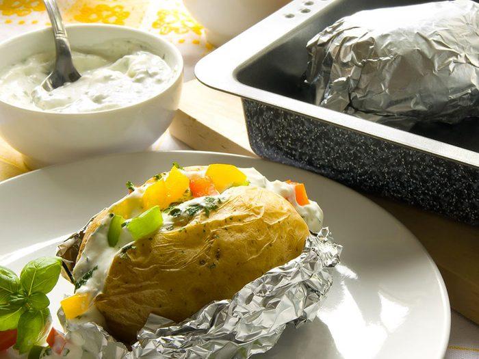 Le papier d'aluminium peut être mis au recyclage.