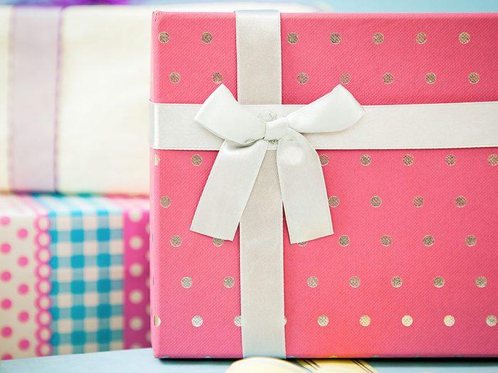 Le papier d'emballage pour les cadeaux n'est pas à mettre au recyclage.