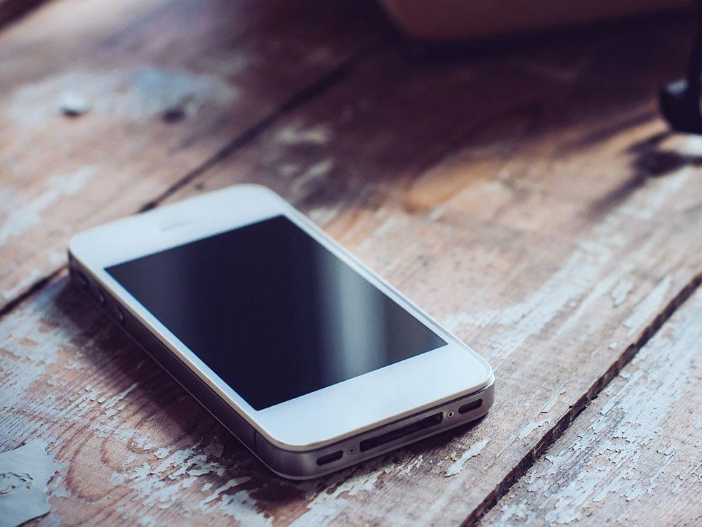 Les cellulaires sont à mettre au recyclage.