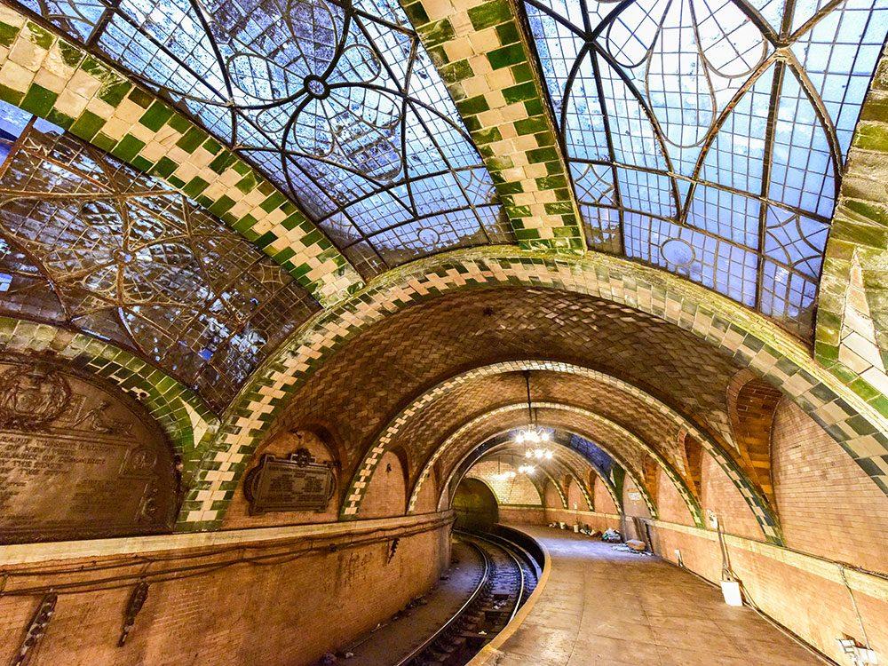 L'ancienne station de métro du City Hall est à visiter à New York!