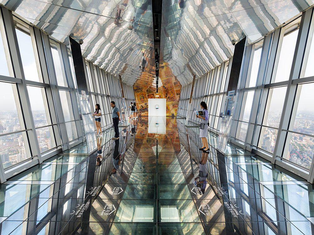 Le Centre mondial des finances de Shanghai (SWFC) est l'un des 12 points de vue vertigineux dans le monde.