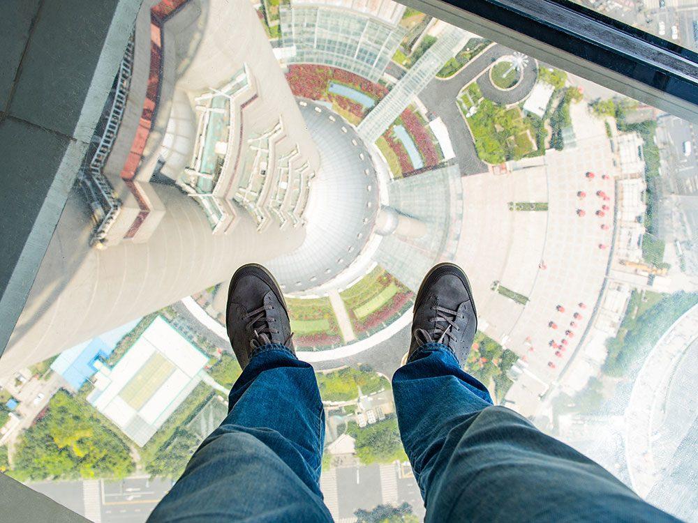 La Tour Shanghai en Chine est l'un des 12 points de vue vertigineux dans le monde.
