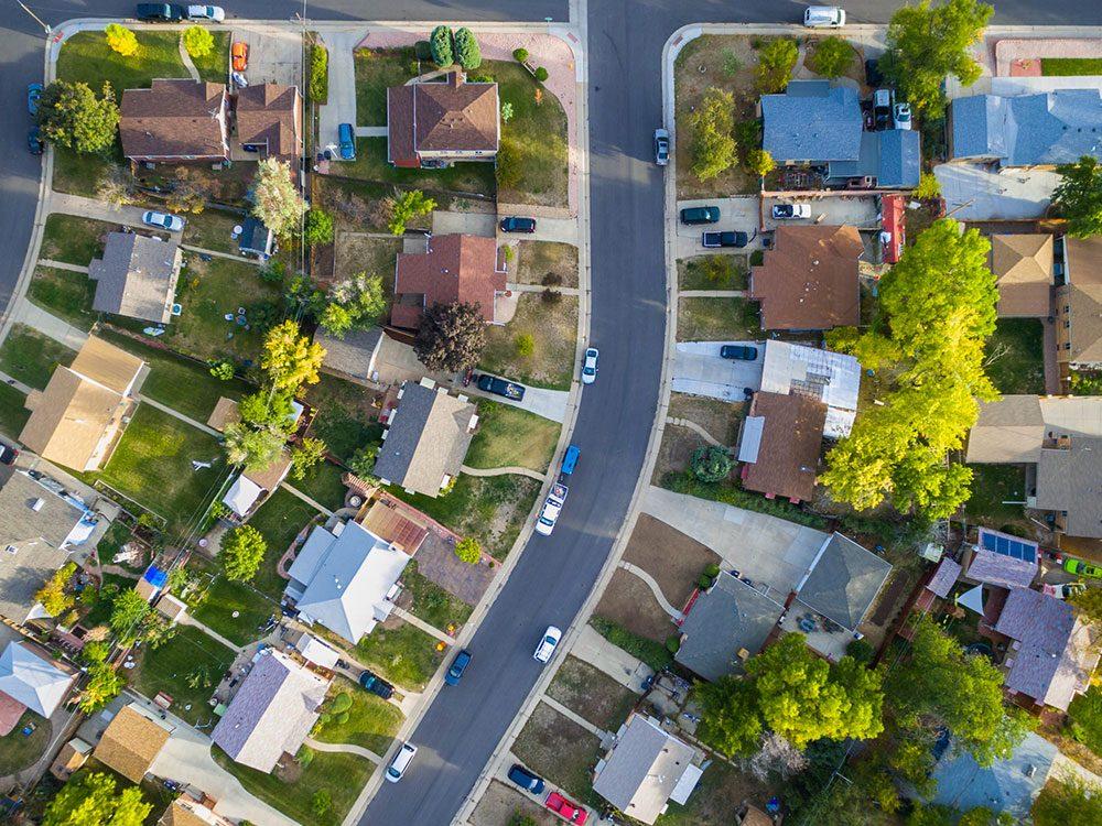 Vérifiez le voisinage avant d'acheter une maison.