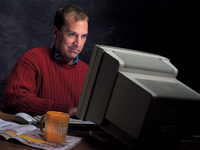 Tout le monde avait des moniteurs d'ordinateur surdimensionnés dans sa maison dans les années 1990.