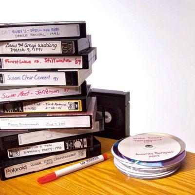 Tout le monde avait des cassettes VHS et des DVDs dans sa maison dans les années 1990.