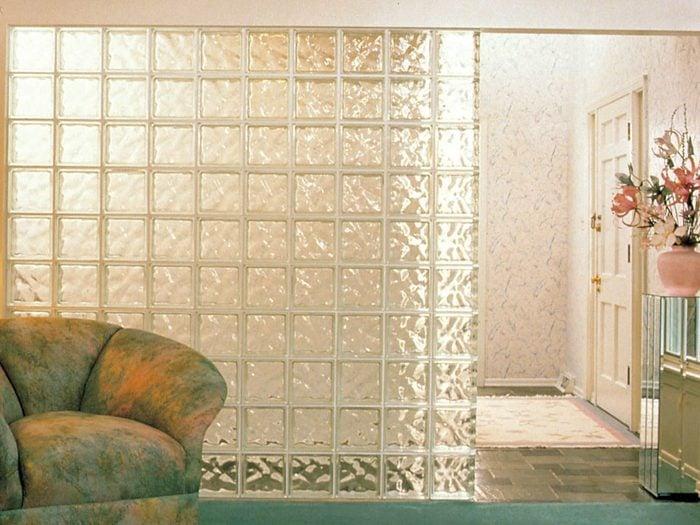 Tout le monde avait un mur en briques de verre dans sa maison dans les années 1990.
