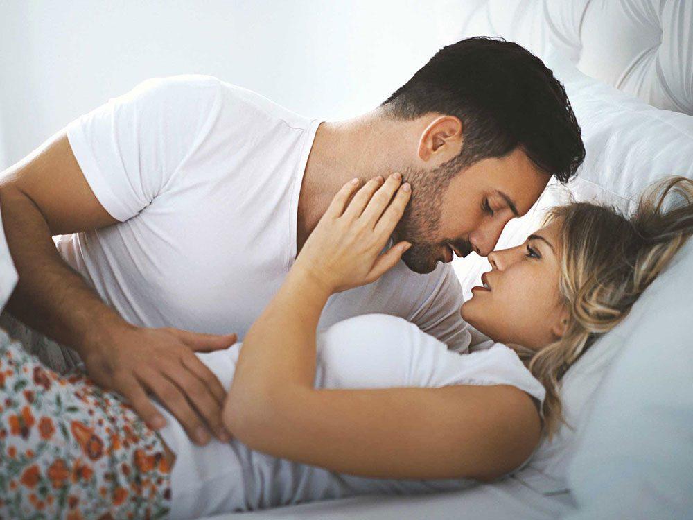 Règle qu'il est permis de briser dans un couple: vos ébats doivent donner une attention égale à chacun d'entre vous.