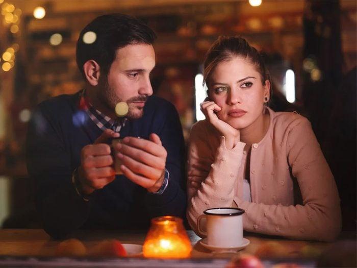 Parler en termes d'absolu n'est pas la meilleure solution quand on est en couple.
