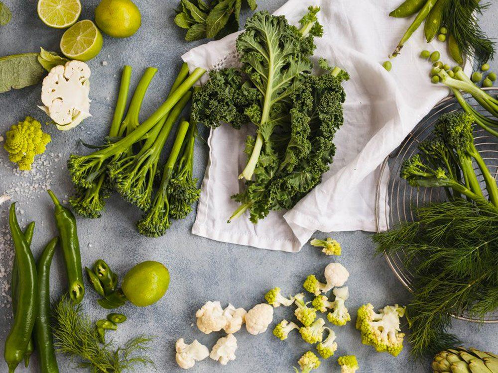 Mettez l'accent sur les légumes (et les fruits) pour devenir végane.