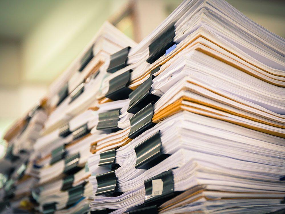 Renoncez au papier pour réduire votre empreinte carbone.