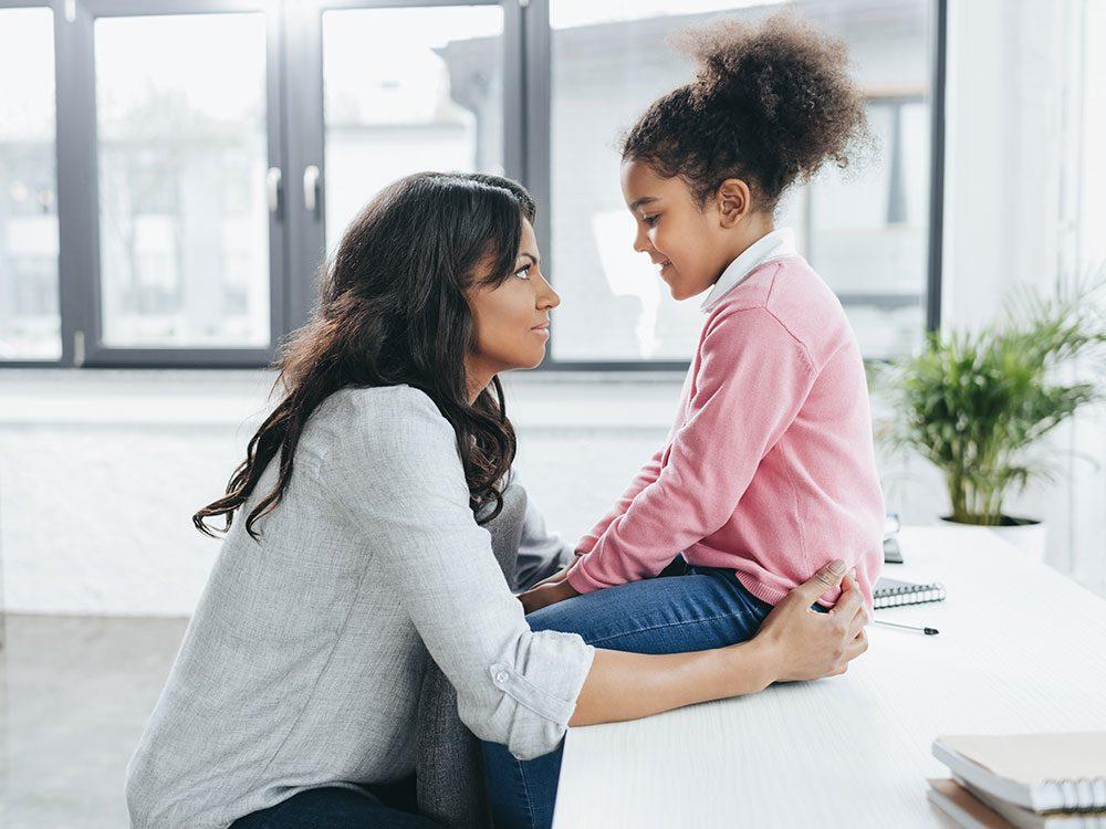 Demandez de l'aide si votre enfant ne veut plus parler.