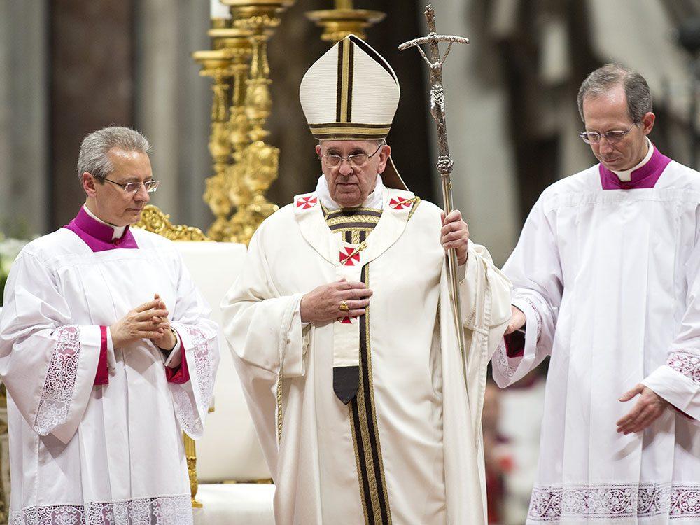 Une fausse nouvelle affirmant que le pape François soutenait la candidature de Donald Trump a été très partagée sur internet.