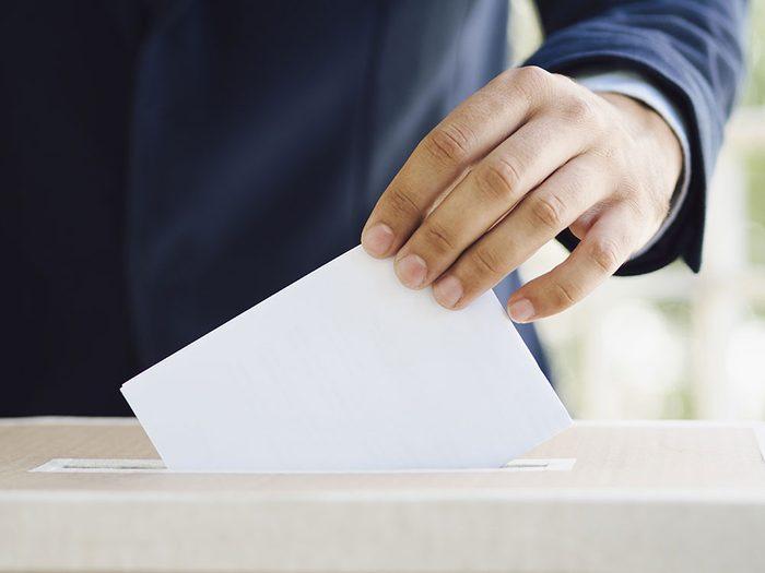 Les fake news peuvent-elles avoir un effet sur les élections canadiennes?