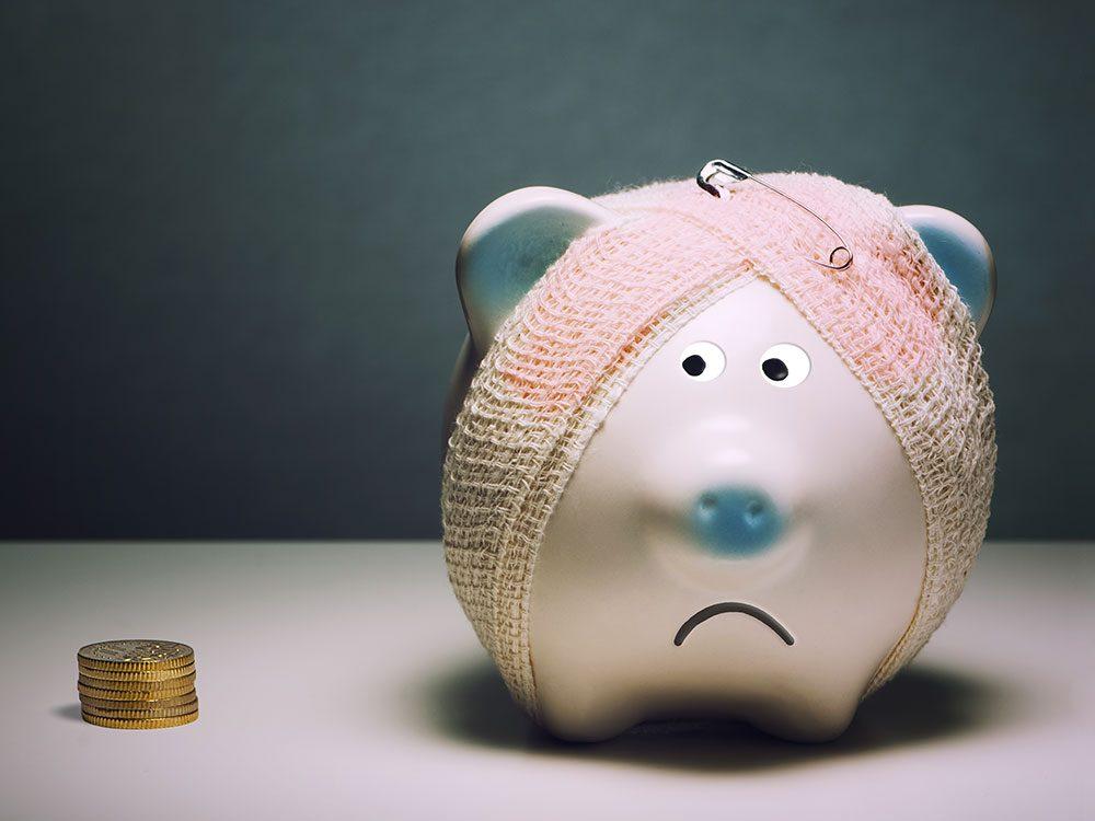 Prenez l'habitude financière de payer votre solde au complet pour éviter les frais.