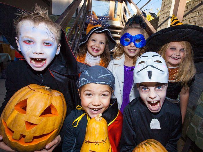 Histoire insolite: si vous avez plus de 12ans et frappez aux portes le soir d'Halloween à Chesapeake, en Virginie, vous risquez de vous attirer plus d'ennuis que de friandises.