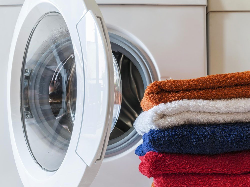 Ôtez la charpie de la sécheuse pendant votre ménage d'automne.