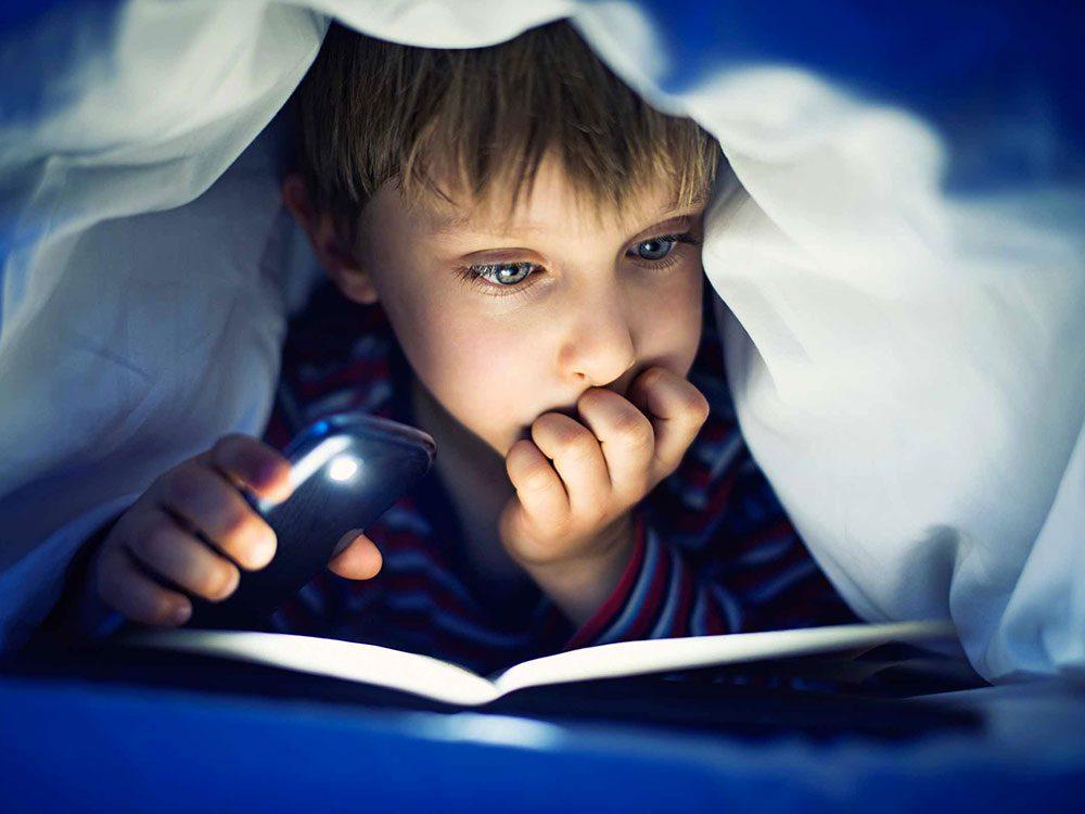 Mythe: la pleine lune surexcite les enfants et les empêche de dormir.