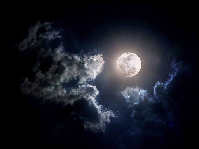 Mythe: la pleine lune nous rend tous un peu dingues.
