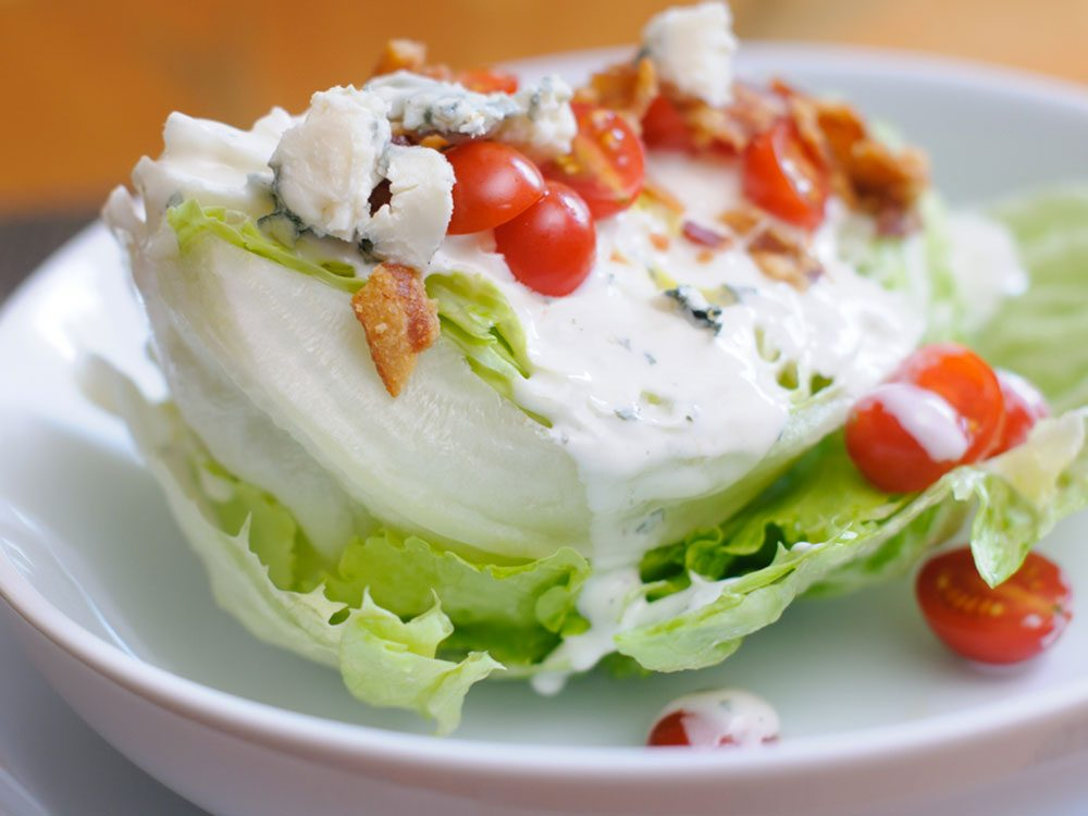 Évitez de manger de la laitue iceberg au restaurant.