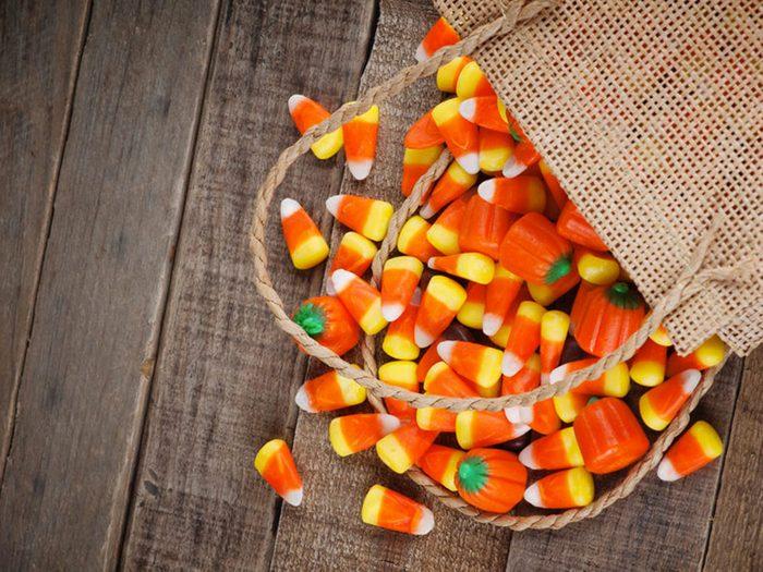 Les bonbons de maïs ne sont pas végétaliens, car ils renferment de la gélatine.