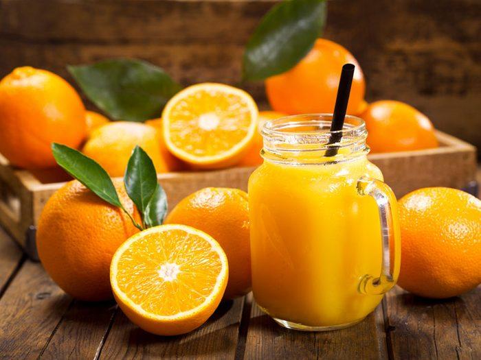 Le jus d'orange pur fruit est, bien sûr, végétalien. Mais attention à sa version enrichie.