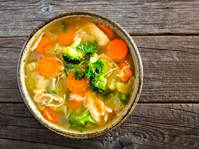 Bien qu'elle déborde de légumes, votre soupe peut ne pas être végétalienne.