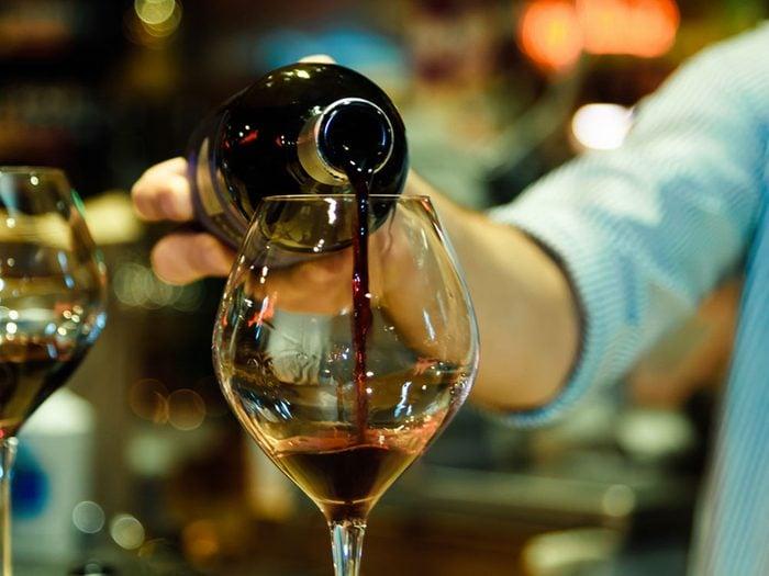 Le vin, même certifié, n'est pas toujours végétalien.