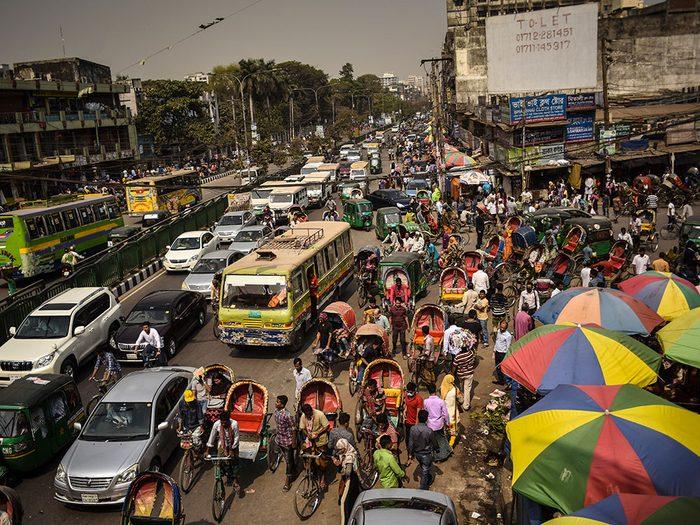 Dhaka au Bangladesh est l'une des villes les plus peuplées au monde.