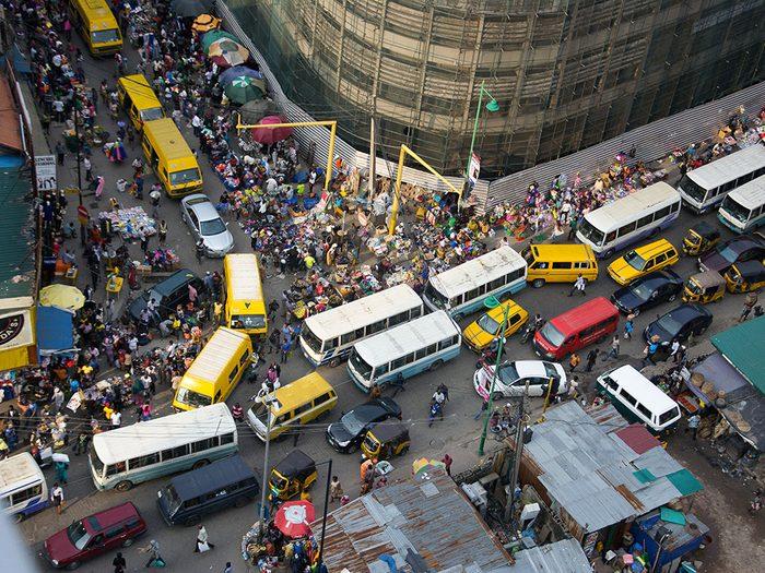 Lagos au Nigéria est l'une des villes les plus peuplées au monde.