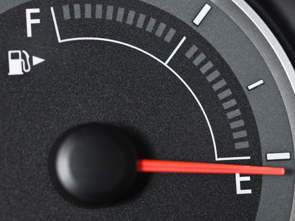 Si votre voiture ne démarre pas, c'est peut-être que votre réservoir d'essence est vide.