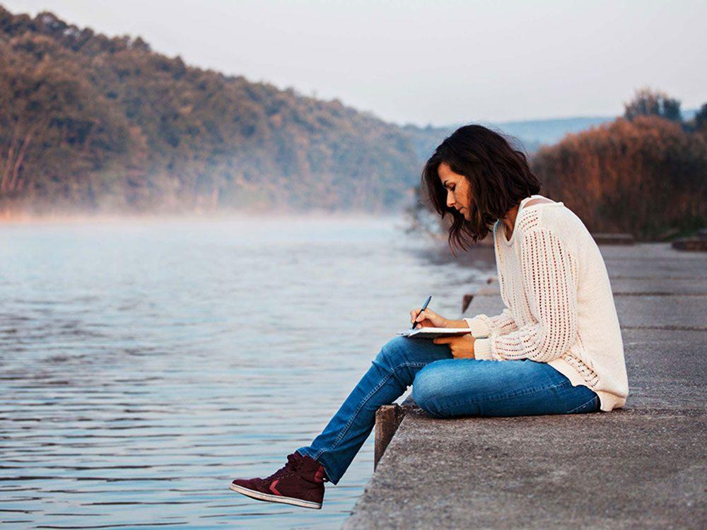 Pour lutter contre la solitude, écrivez une histoire personnelle.
