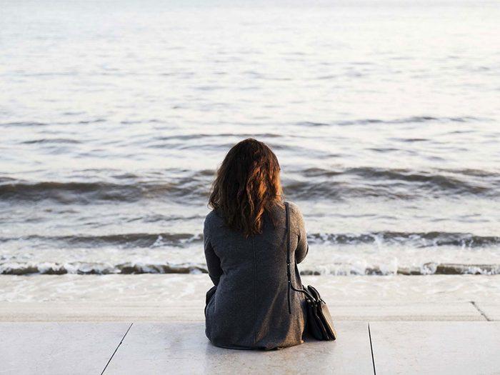 Pour lutter contre la solitude, soyez à l'écoute de vos émotions.