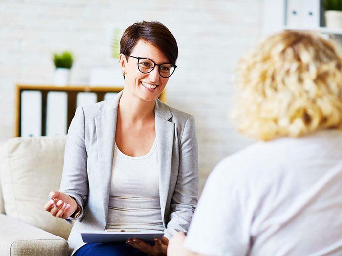 Pour lutter contre la solitude, voyez un thérapeute.