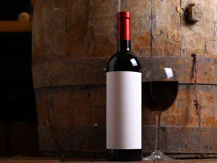 Acheter une bouteille de vin avec 1$.