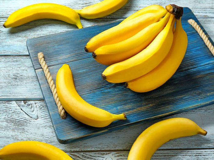 Acheter cinq bananes avec 1$.